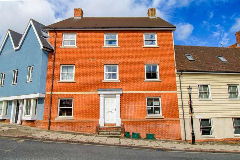 2 Bedrooms Apartment Flat for sale in Roman Wall, Shortcut Road, Colchester, CO1