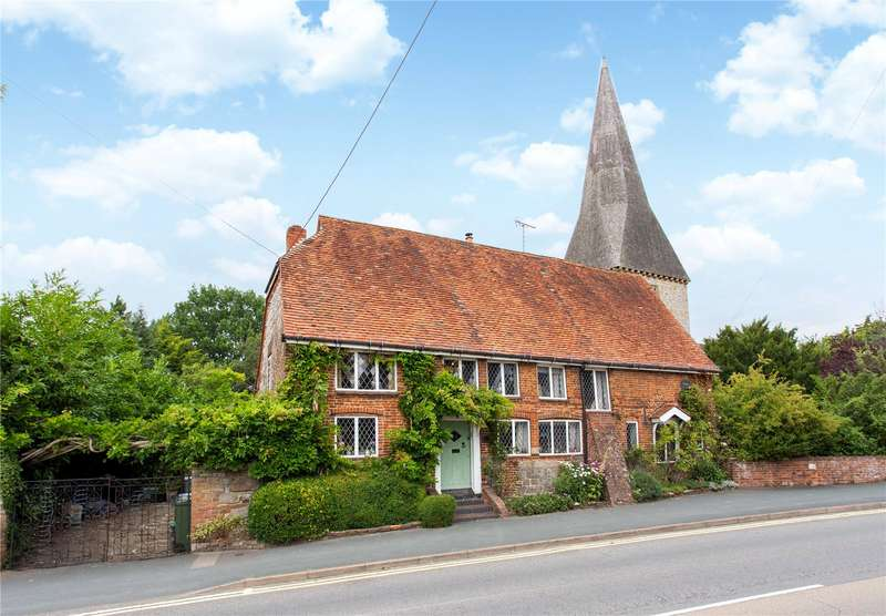 3 Bedrooms Detached House for sale in Ash Church Road, Ash, Surrey, GU12