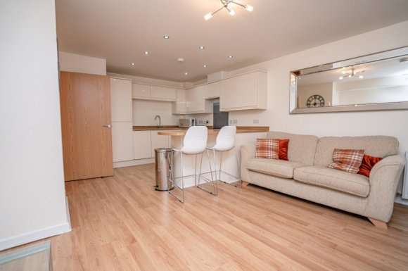 2 Bedrooms Flat for rent in St Peters Square, Aberdeen, AB24