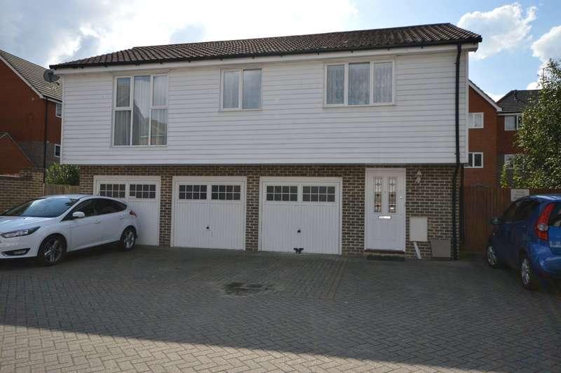 2 Bedrooms Apartment Flat for sale in Thomas Neame Avenue, Faversham, Kent, ME13