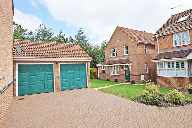 5 Bedrooms Detached House for sale in Clover Lay, Rainham, Gillingham