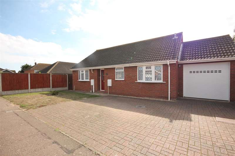 2 Bedrooms Bungalow for sale in James Road, Clacton-on-Sea