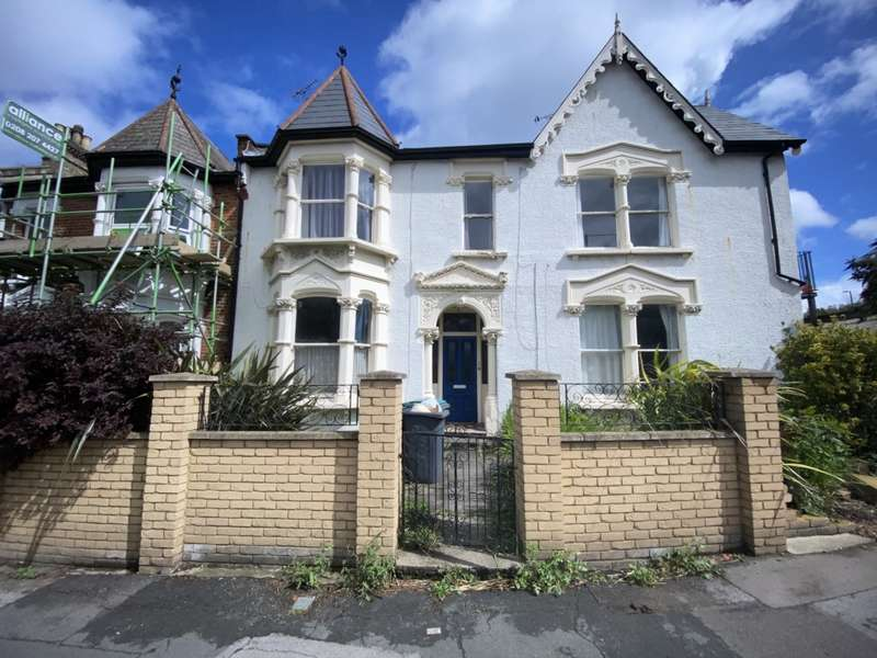 3 Bedrooms Flat for rent in Flat 1 Oakfield Road, Finsbury Park, N4