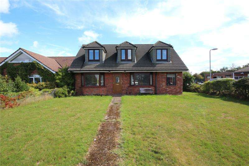 4 Bedrooms Detached House for sale in Salisbury Road, Ringwood, Hampshire, BH24