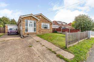 3 Bedrooms Bungalow for sale in Bellevue Road, Minster on Sea, Sheerness