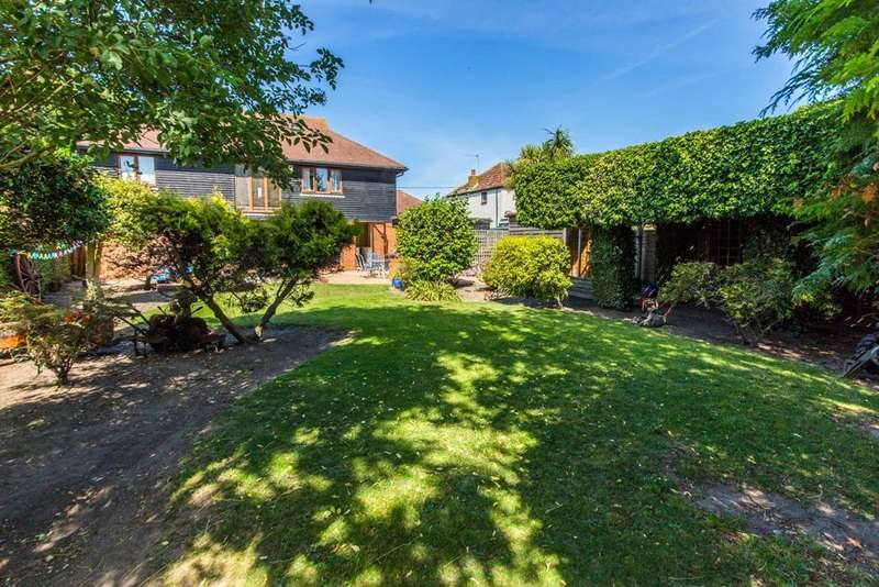 6 Bedrooms Detached House for sale in High Street, Isle Of Grain, Kent, ME3