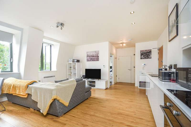 1 Bedroom Apartment Flat for sale in William Shipley House, Knightrider Court, Maidstone, Kent, ME15