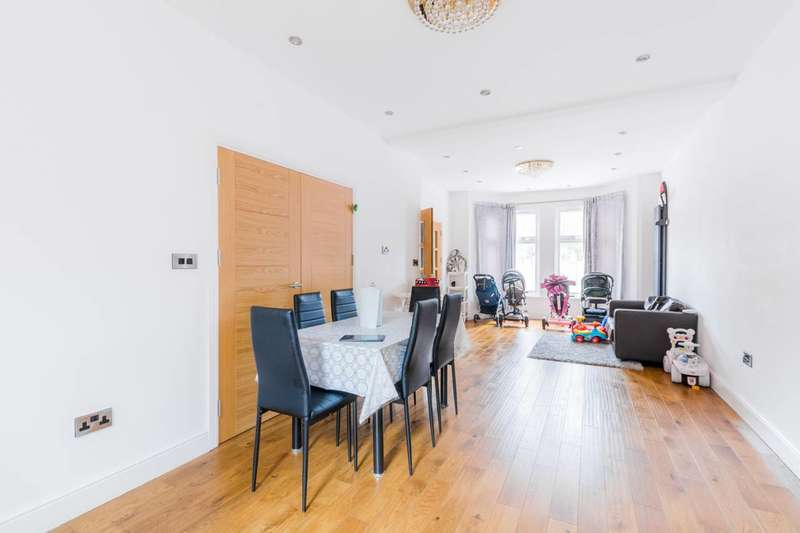 5 Bedrooms Terraced House for sale in South Park Crescent, Ilford, IG1