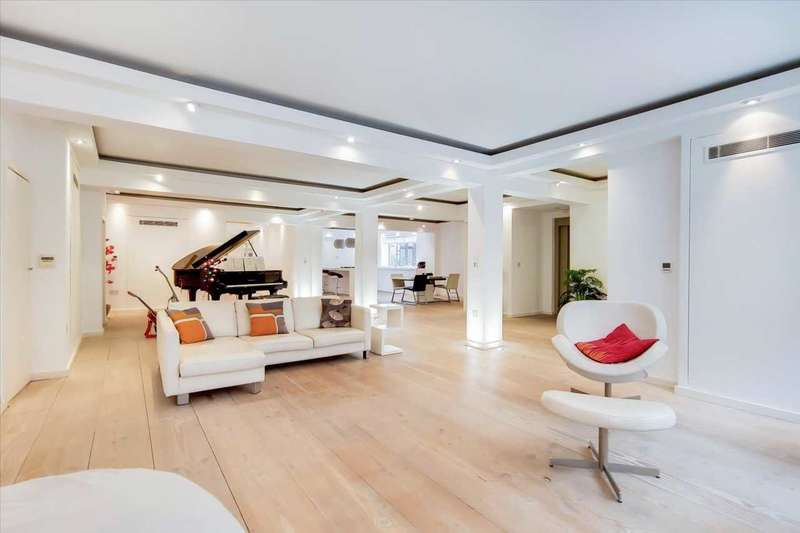 3 Bedrooms Apartment Flat for rent in Princelet Street, London