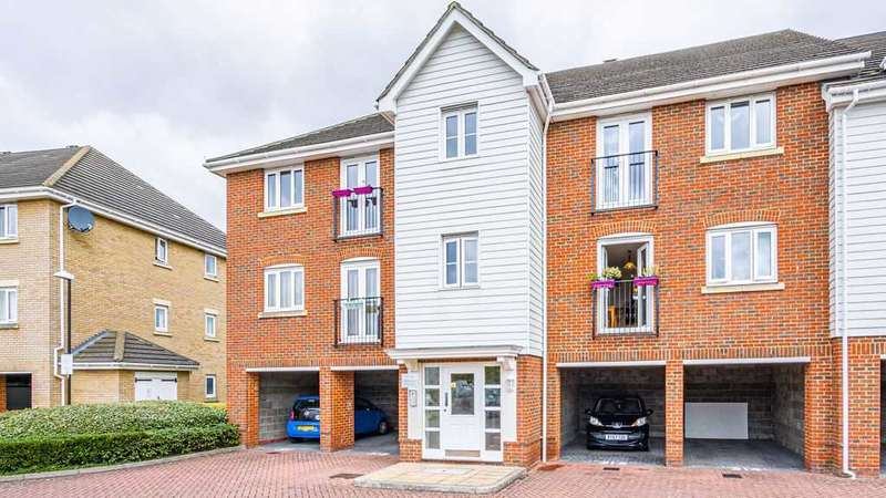 2 Bedrooms Apartment Flat for sale in Sherwood Avenue, Larkfield. ME20 7GJ.