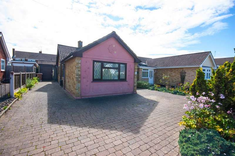 3 Bedrooms Semi Detached Bungalow for sale in Weymouth Road, Old Springfield, Chelmsford, CM1