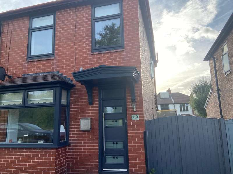 2 Bedrooms Semi Detached House for sale in Lumb Lane, Manchester, Greater Manchester, M34