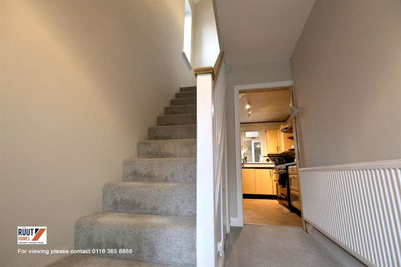 3 Bedrooms Semi Detached House for sale in Staplehurst Avenue, Leicester