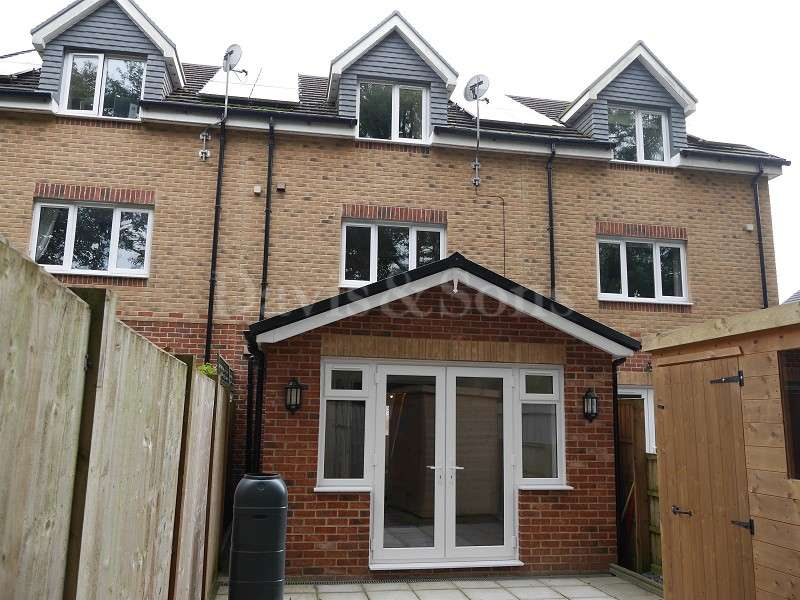 3 Bedrooms Terraced House for sale in Moriah Mews, Risca, Newport. NP11 6RL