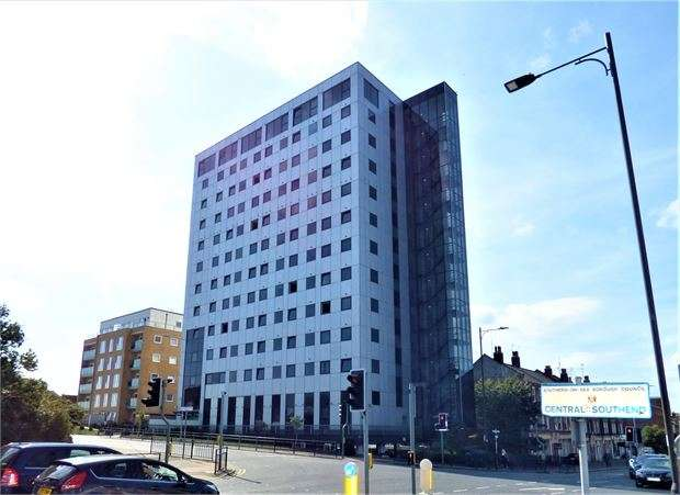1 Bedroom Apartment Flat for sale in Southchurch Avenue, Southend on sea, Southend on sea, SS1 2HZ