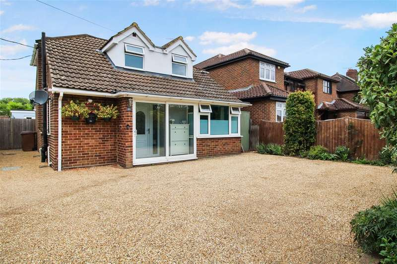 4 Bedrooms Detached House for sale in Hanging Hill Lane, Hutton