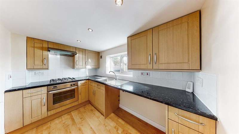 3 Bedrooms Flat for sale in Felix Road, London, W13 0NZ