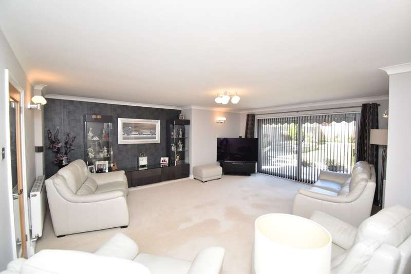 4 Bedrooms Detached House for sale in Evans Road, Willesborough, Ashford