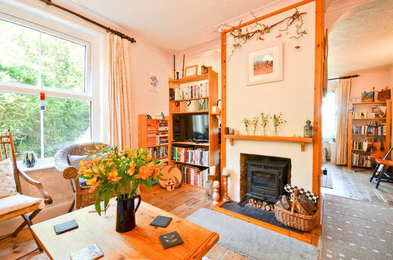 4 Bedrooms Detached House for sale in Newport, Isle Of Wight