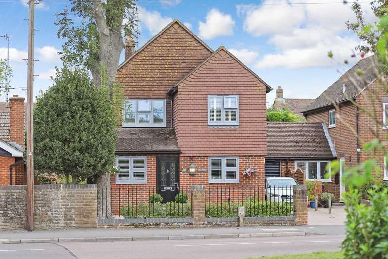 4 Bedrooms Detached House for sale in Grove Road, Tring