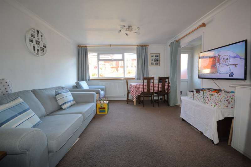 3 Bedrooms House for sale in River Drive, Rochester, Kent, ME2
