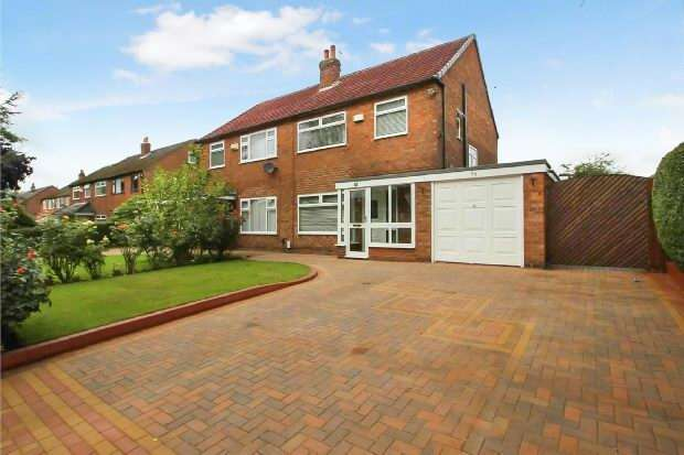 3 Bedrooms Semi Detached House for sale in Maple Road, Manchester