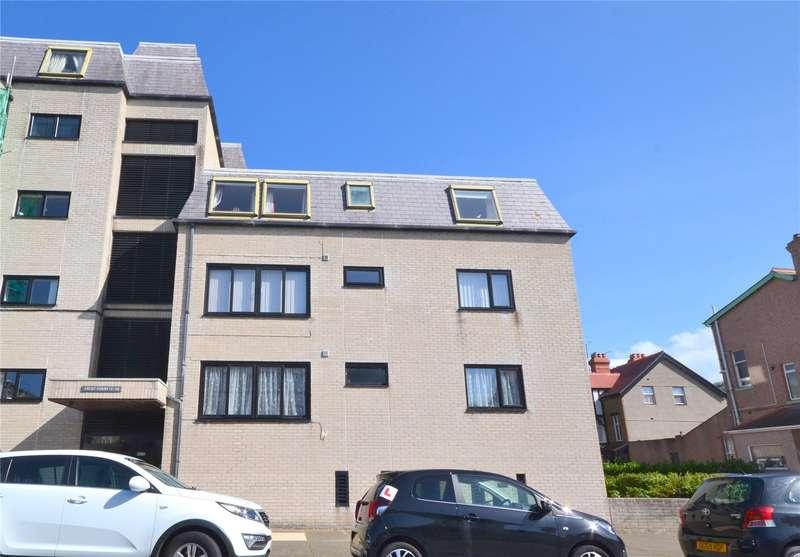 1 Bedroom Apartment Flat for sale in Carmen Sylva Road, Craig Y Don, Llandudno, LL30