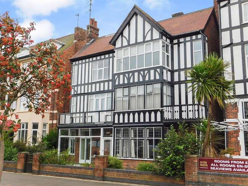 7 Bedrooms Detached House for sale in Scarbrough Avenue, Skegness, Lincs, PE25 2TD