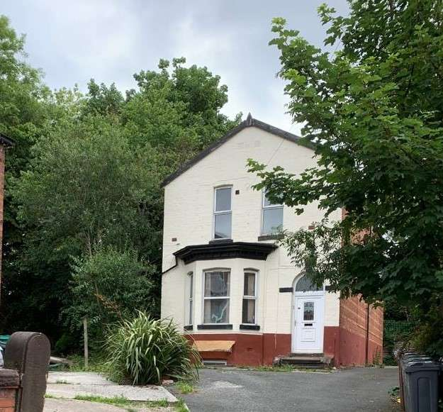 Detached House for sale in MANCHESTER, M19