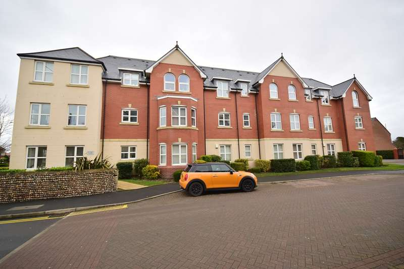 2 Bedrooms Apartment Flat for sale in Woodlands View, Ansdell, FY8