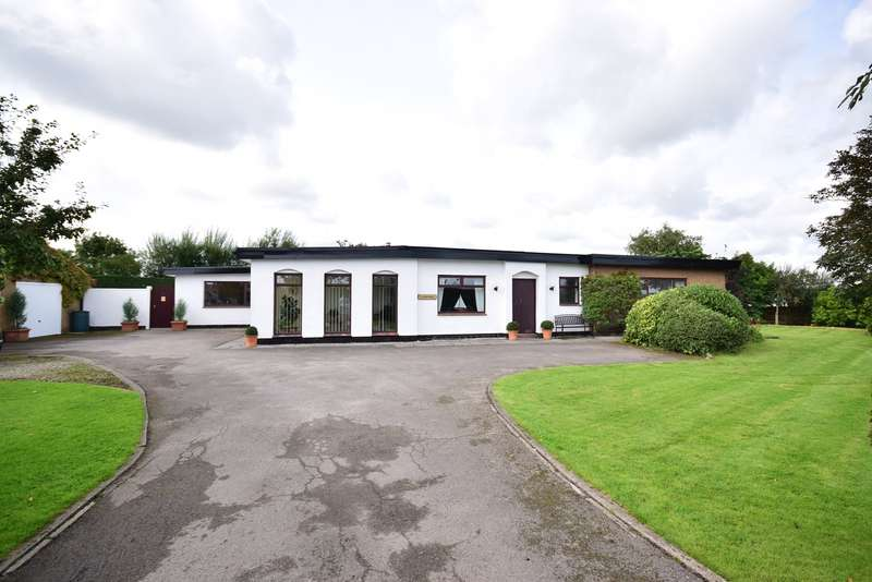 4 Bedrooms Detached Bungalow for sale in Bank Lane, Warton, PR4