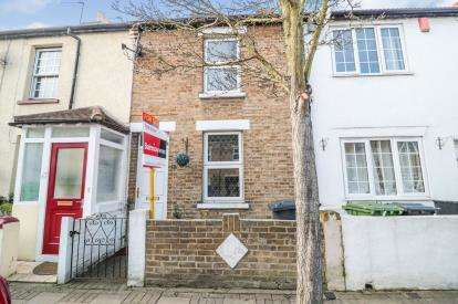 3 Bedrooms Terraced House for sale in Queens Road, Waltham Cross, Hertfordshire