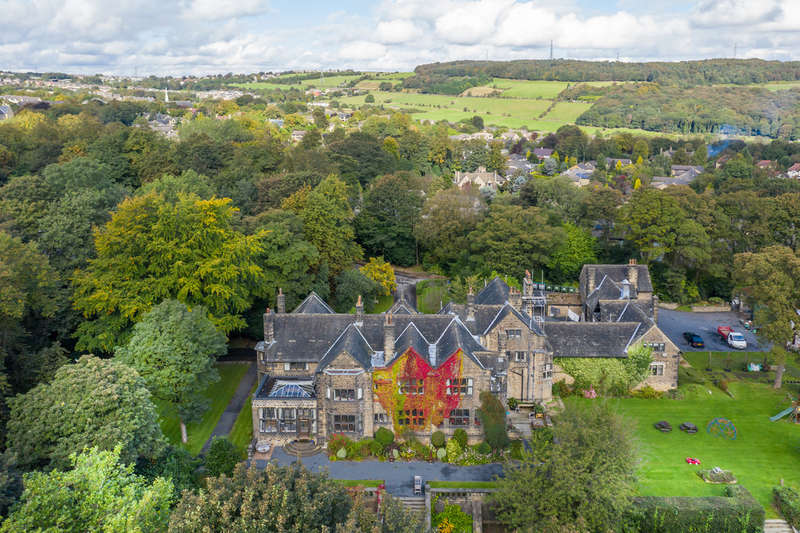 8 Bedrooms House for sale in Halifax Road, Edgerton, Huddersfield