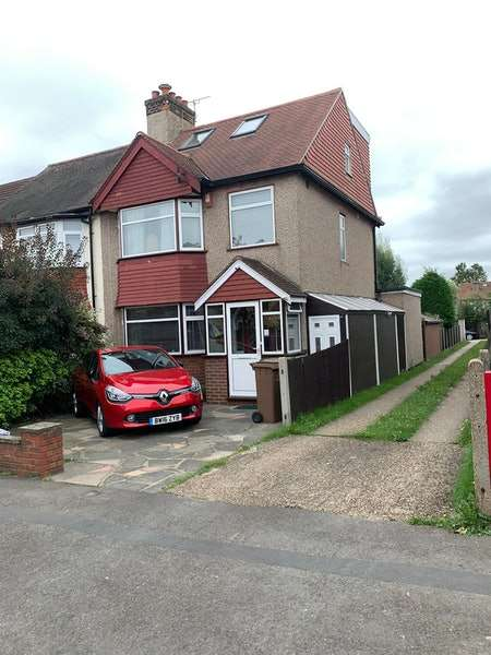 4 Bedrooms Semi Detached House for sale in Connaught road, Sutton, Surrey, SM1
