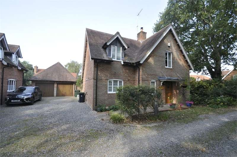 5 Bedrooms Detached House for sale in The Coppice, West Moors, FERNDOWN, Dorset