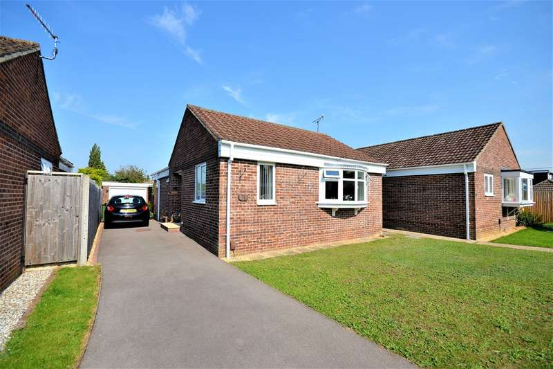 2 Bedrooms Detached Bungalow for sale in Princess Close, West End, Southampton, SO30
