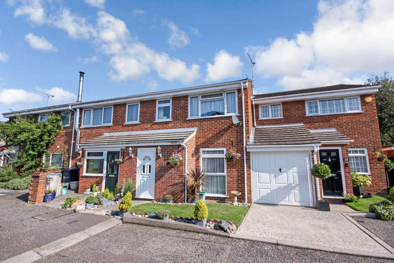 3 Bedrooms Terraced House for sale in Springfield, Chelmsford