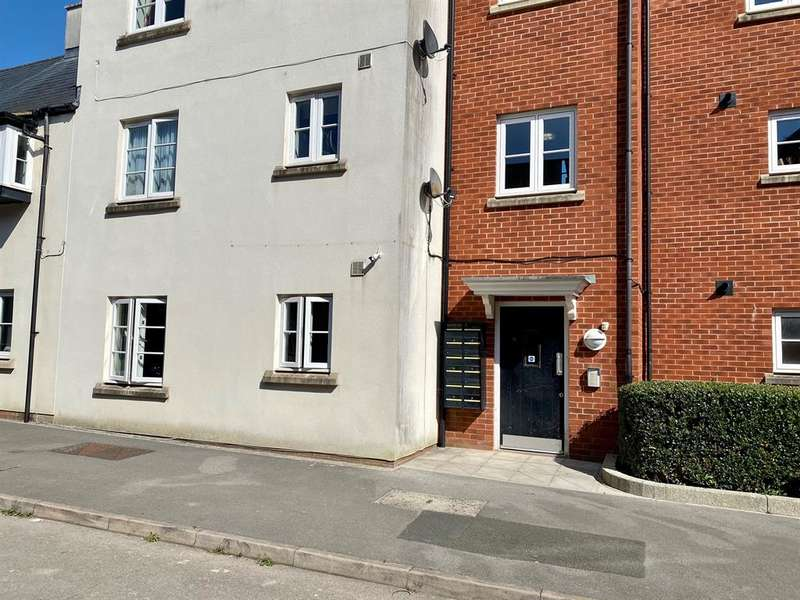 1 Bedroom Flat for sale in Victoria Close, Dursley, GL11 4GH