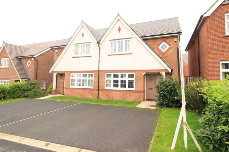3 Bedrooms Semi Detached House for sale in Haven Lane, Oldham, OL4