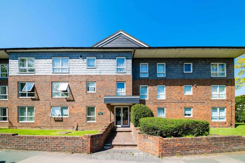 1 Bedroom Flat for rent in The Avenue, Worcester Park