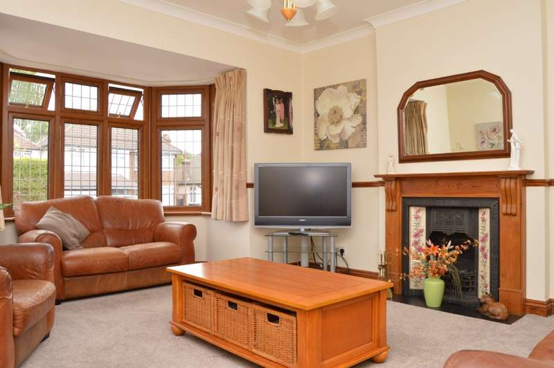 4 Bedrooms Bungalow for sale in Recreation Avenue, Harold Wood
