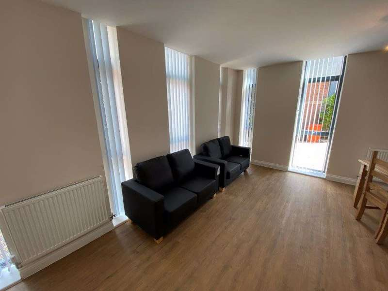 4 Bedrooms Property for rent in 4 Whitefriars, Friar Lane, Leicester, LE1 5NR