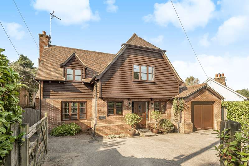 5 Bedrooms Detached House for sale in Sandy Lane, Kingsley, GU35
