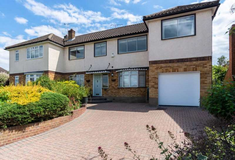 5 Bedrooms Semi Detached House for sale in Westbourne Drive, Brentwood