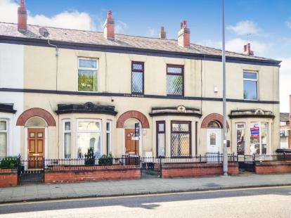 4 Bedrooms Terraced House for sale in Rochdale Road, Bury, Manchester, Greater Manchester, BL9