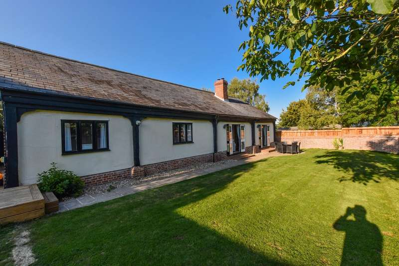 4 Bedrooms Barn Conversion Character Property for sale in The Cart Lodge, Grange Green, Tilty, DUNMOW