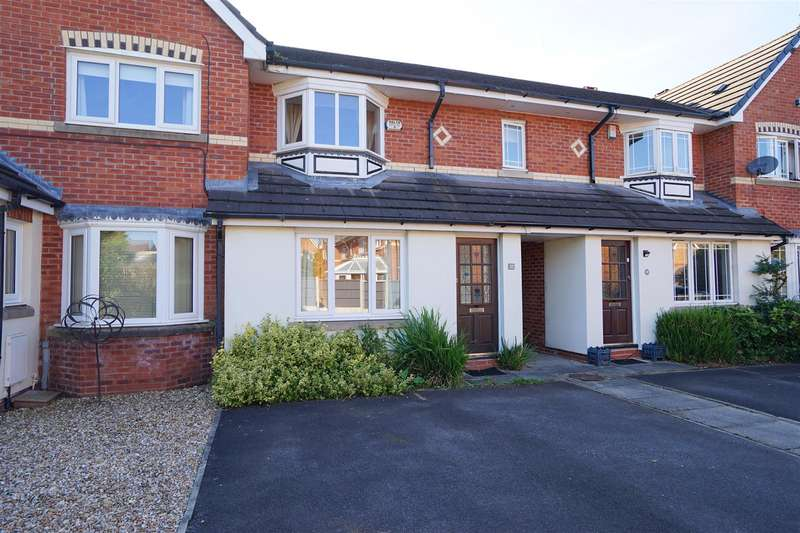 2 Bedrooms Property for sale in Eastwood Close, Bolton