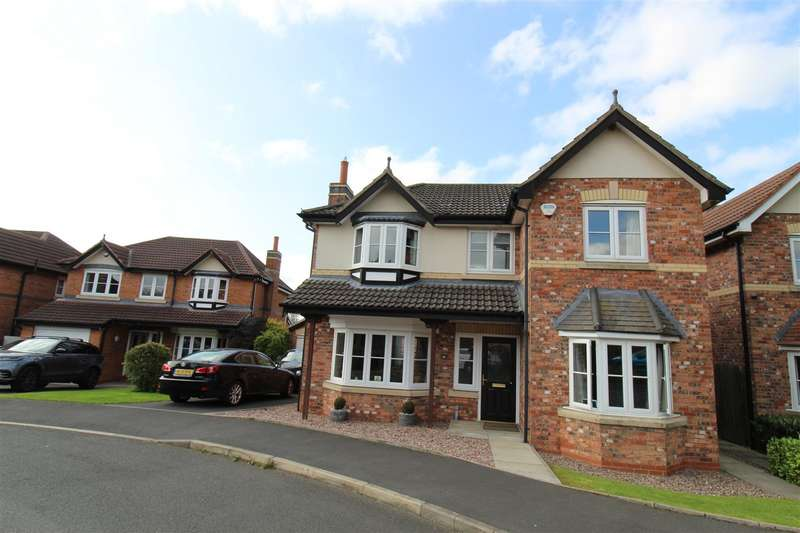 4 Bedrooms Detached House for sale in Higherbrook Close, Horwich, Bolton