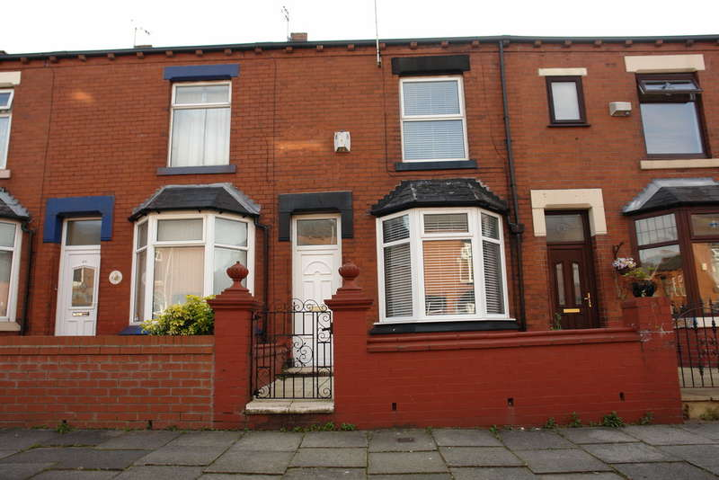 2 Bedrooms Terraced House for sale in Kenwood Road, Boundary Park, Oldham