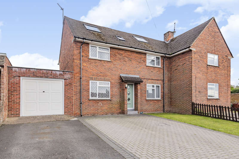 2 Bedrooms Semi Detached House for sale in Shepherds Road, Winchester